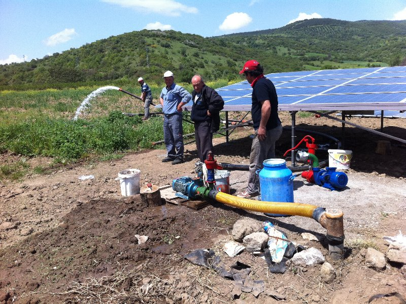 Güneş enerjisi ile çalışan dalgıç pompa çalışmaları